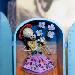 Alcidez Quispe Retablo Girl with Flowers