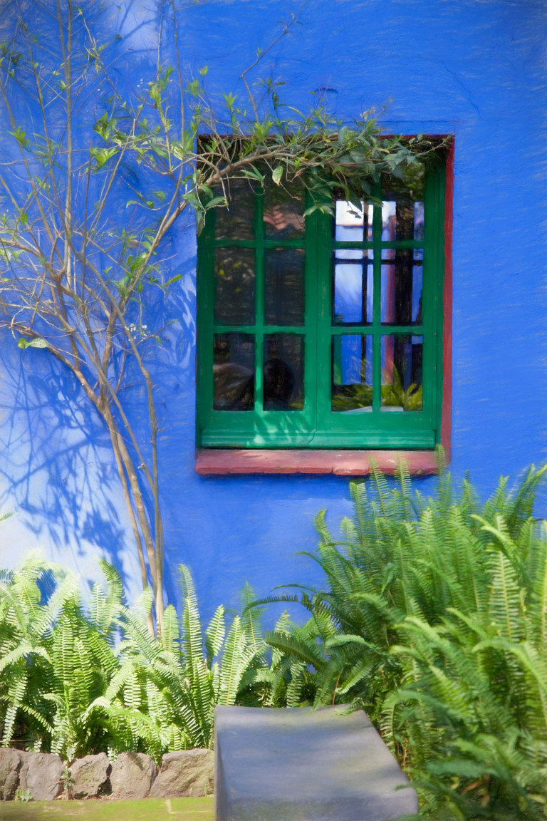 La Casa Azul window