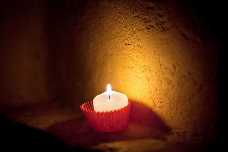 Niche candle