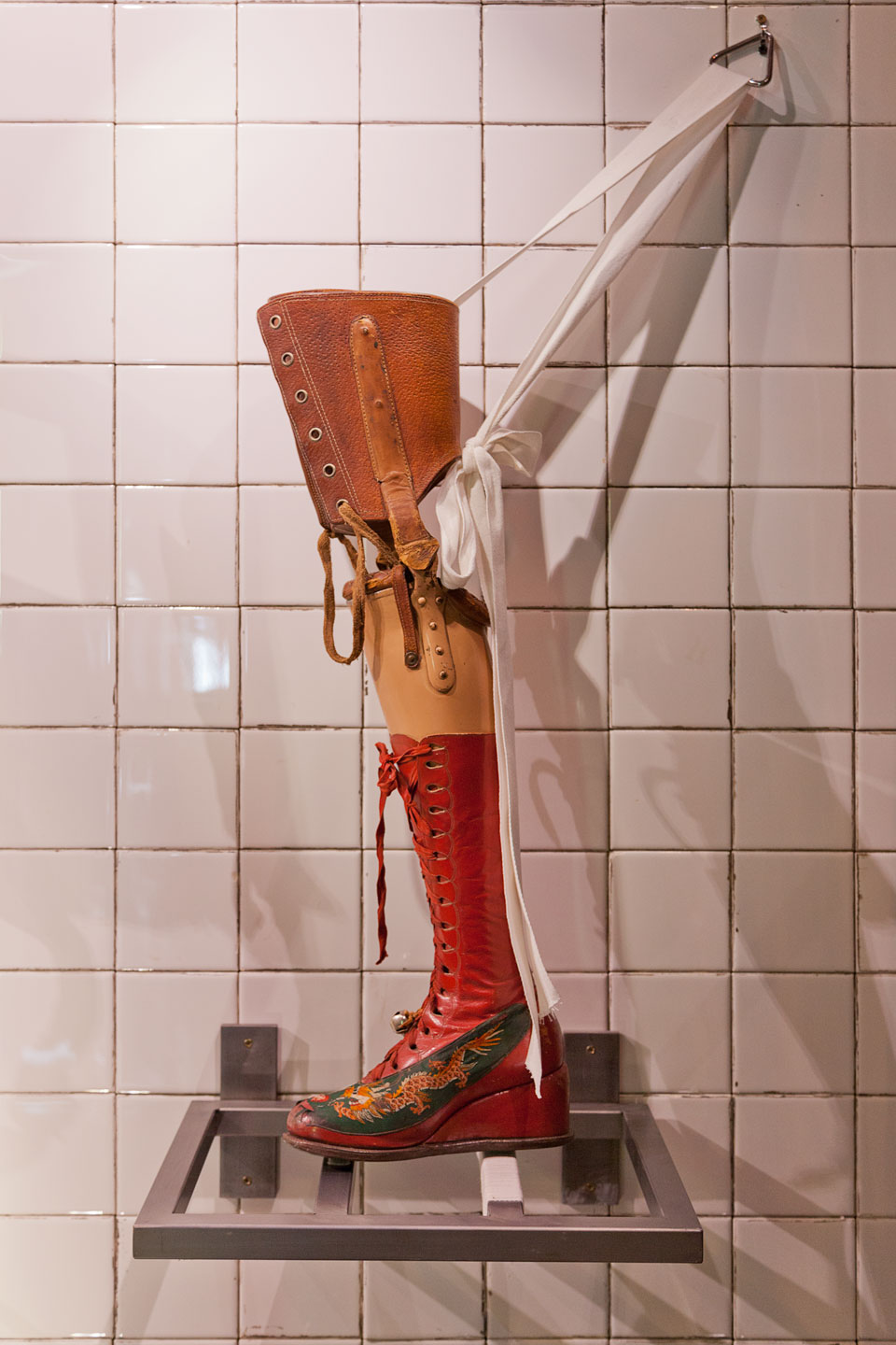 Freda Kahlo's prosthetic leg with Chinese boot